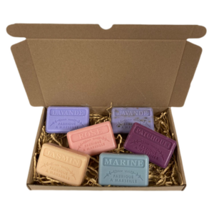 Savon de Marseille cadeau zeep set Lavendel, Rose, Jasmin, Lavandel scrub, Patchouli, Marine 6x125 gr.