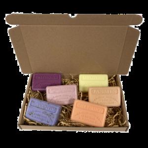 6x Savon de Marseille cadeau zeep set, Chocolade, Vanille, Menthe, Vigne Rouge, Sinaasappelbloesem, Mimosa 6x125 gr. brievenbus cadeau