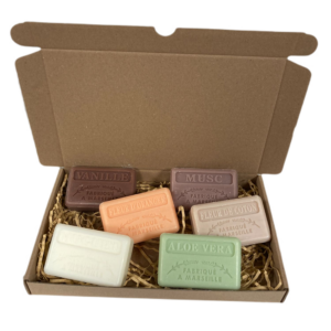 Soap bar cadeauset savon de marseille zeep Vanille, Sinaasappelbloesem, Muguet, Musc, Fleur de coton, Aloë vera 6x125 gr.
